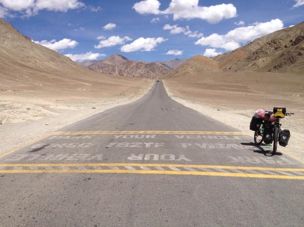 Magnetic Hill maar als fietser ondervind je jammer genoeg niets van dit zwaartekrachtfenomeen
