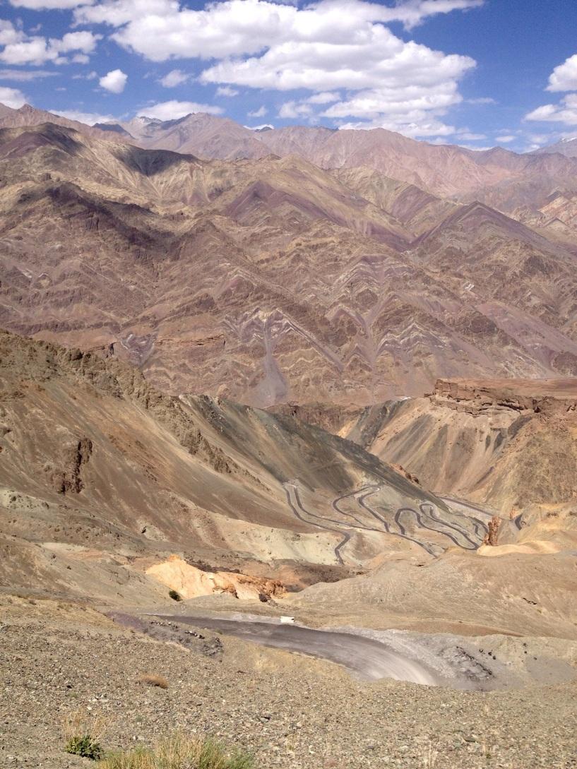 Halfweg de klim, op naar 3638m @JalebiBends