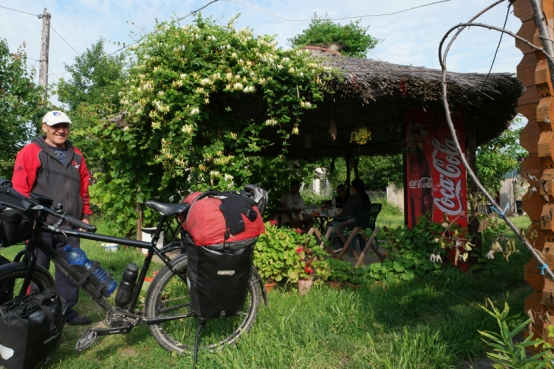 Can you imagine a camp site where you don't have to pay? Well, it exists in Greci, in the east of Romania. An old very sweet couple runs a small campsite there. You don't have to pay, there's a box on the table and you can put money in it if you want to #Romania