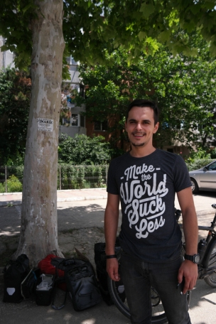 Due to a lack of time, I had to hitchhike from Constanța to Bucharest, 220 kilometer to the west. Alexander, a wonderful guy, gave me a first ride. He partially lives in Romania, partially in France. He wants to become an officer on a boat. I really hope he succeeds. Lots of luck Alexander and thank you so much for the nice chat and ride #Romania