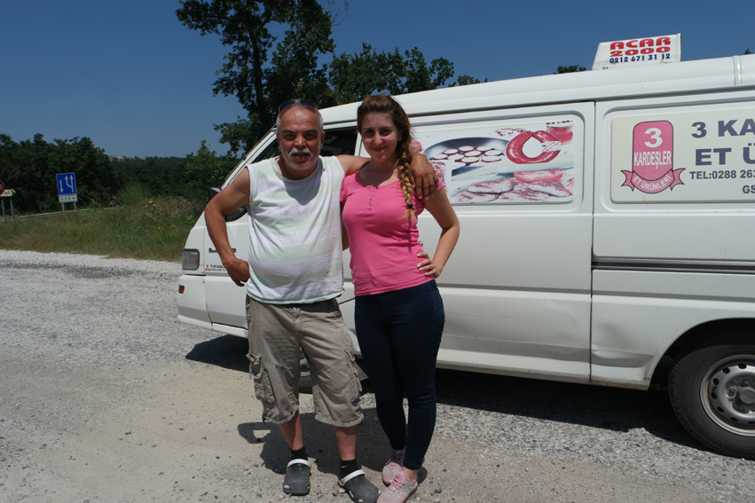 Wow, I was so happy to arrive in Turkey. The country was so different and I had for the first time since months a little bit of tail wind. I stopped at a water fountain (in every village you have at least one, I like) and refreshed a bit. This man and his daughter stopped to talk. It was my first encounter with turkish people and it felt great. The man spoke fluent german and said to me that the western part of Turkey is way more modern, so I didn't have to cover myself with long sleeves and trousers. 'Check my daughter' he said, 'that's normal here.' 'Welcome in Turkey' #Turkey