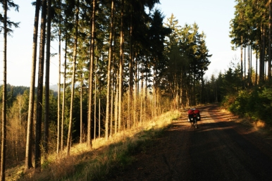 Evening sun and a great descent, I like #CzechRepublic