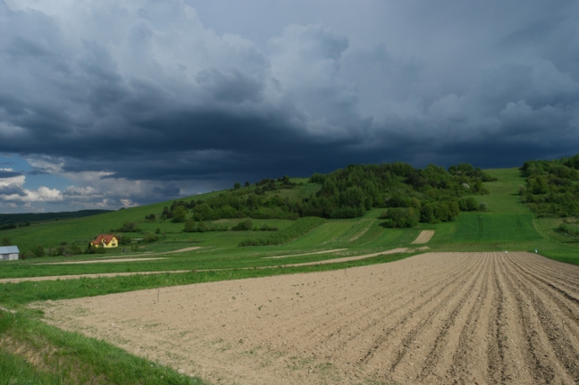 So many rain clouds were teasing me. It became a game: who would be the fastest? The cloud or me? #Poland