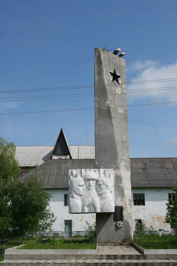Communism is never far away. So are the storks #Ukraine