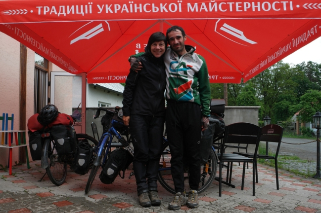 I met George (a Romanian guy who was cycling to North Cape) the same day. I was sitting on the terrace of a shop, he joined me. Two hours later we were still there. Unfortunately we didn't cycle the same direction. Enjoy your trip George. Very nice meeting you! #Ukraine