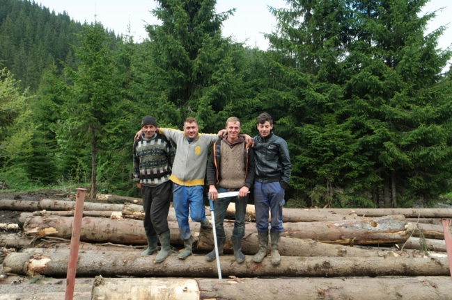 Sadly, too many wood is cut along the way. These kind woodcutters were enjoying there moment of fame #Transalpina #Romania