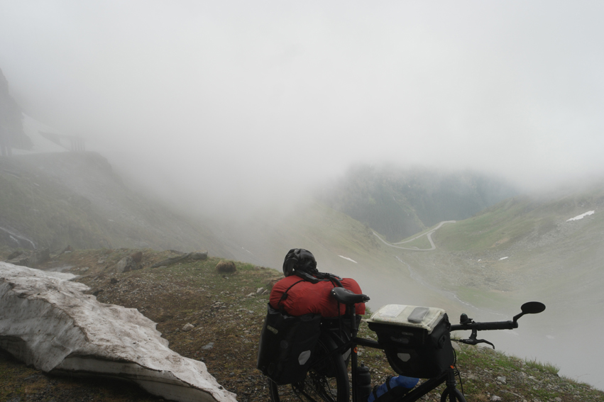 Mist appeared again, goodbye south part of Transfăgărășan. You were at least unforgettable #Transfăgărășan #Romania