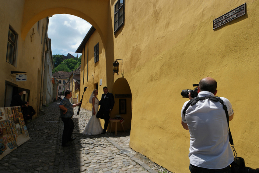 In every alley somebody gets married #Sighișoara #Romania