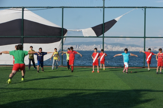 Soccer players doing ballet #Heybeliada #PrinceIsland #Turkey