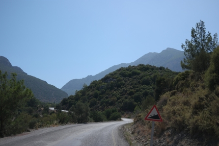 I immediately got in touch with the slope of the mountains. Welcome said the 10% sign #DatçaPeninsula #Turkey