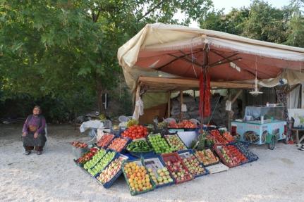 One of so many food stalls along the way. I like #Turkey