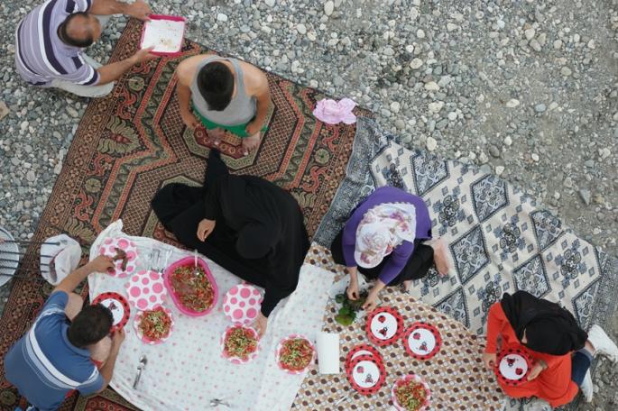 … picnic time under the bridge #Turkey