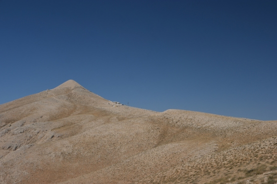 The last stretch to the top #Nemrut #Turkey