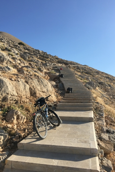 Cycling is definately a workout for your arms. To cross a mountain it sometimes takes an effort #Nemrut #Turkey