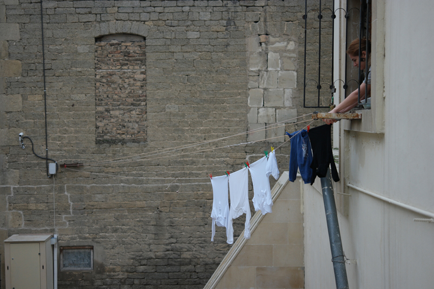 When I'm thinking of the three Caucasian countries, I also think of clotheslines with clothes hanging out to dry #Baku #Azerbaijan