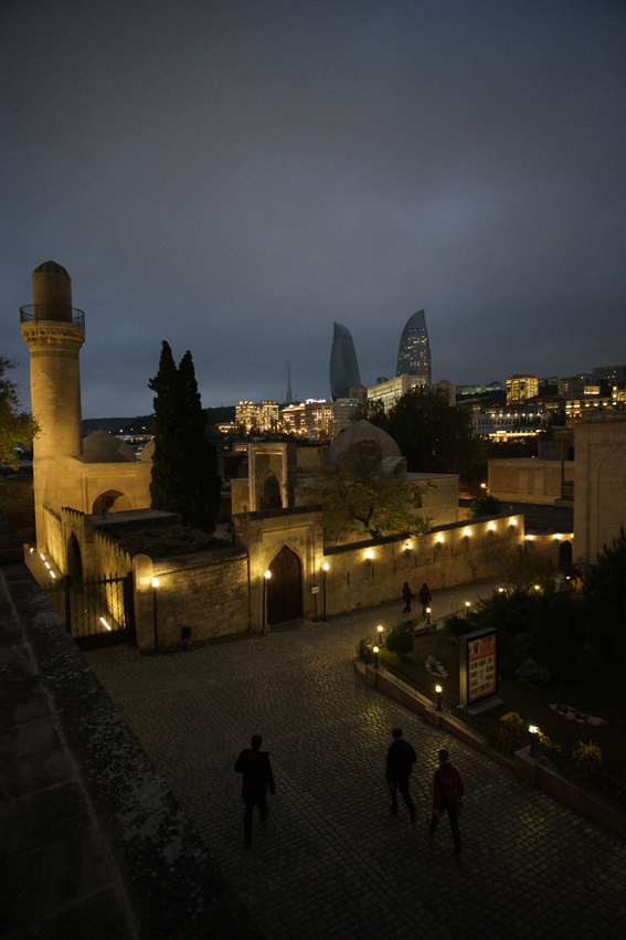 Inner city of #Baku by night #Azerbaijan