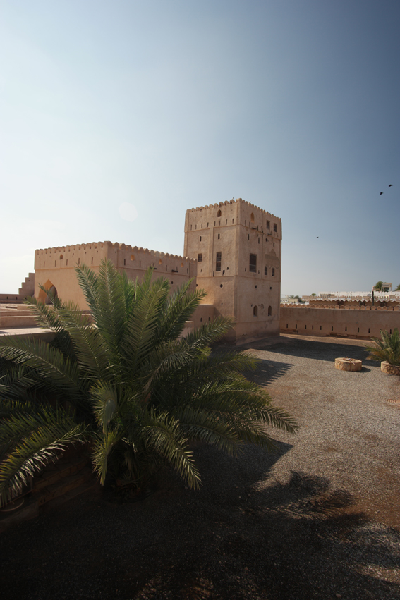 No idea how many forts Oman counts. But I do know they're always eye candy #Oman