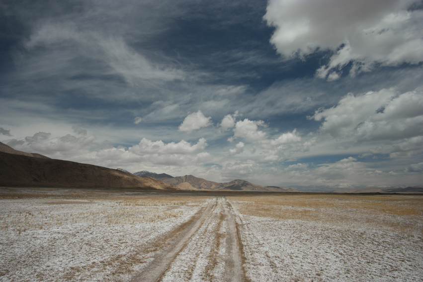 The road to Karakul lake #karakul #tajikistan